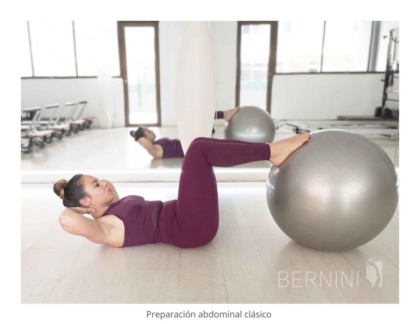 abdominales clásicos fitball pilates mat bernini wellness