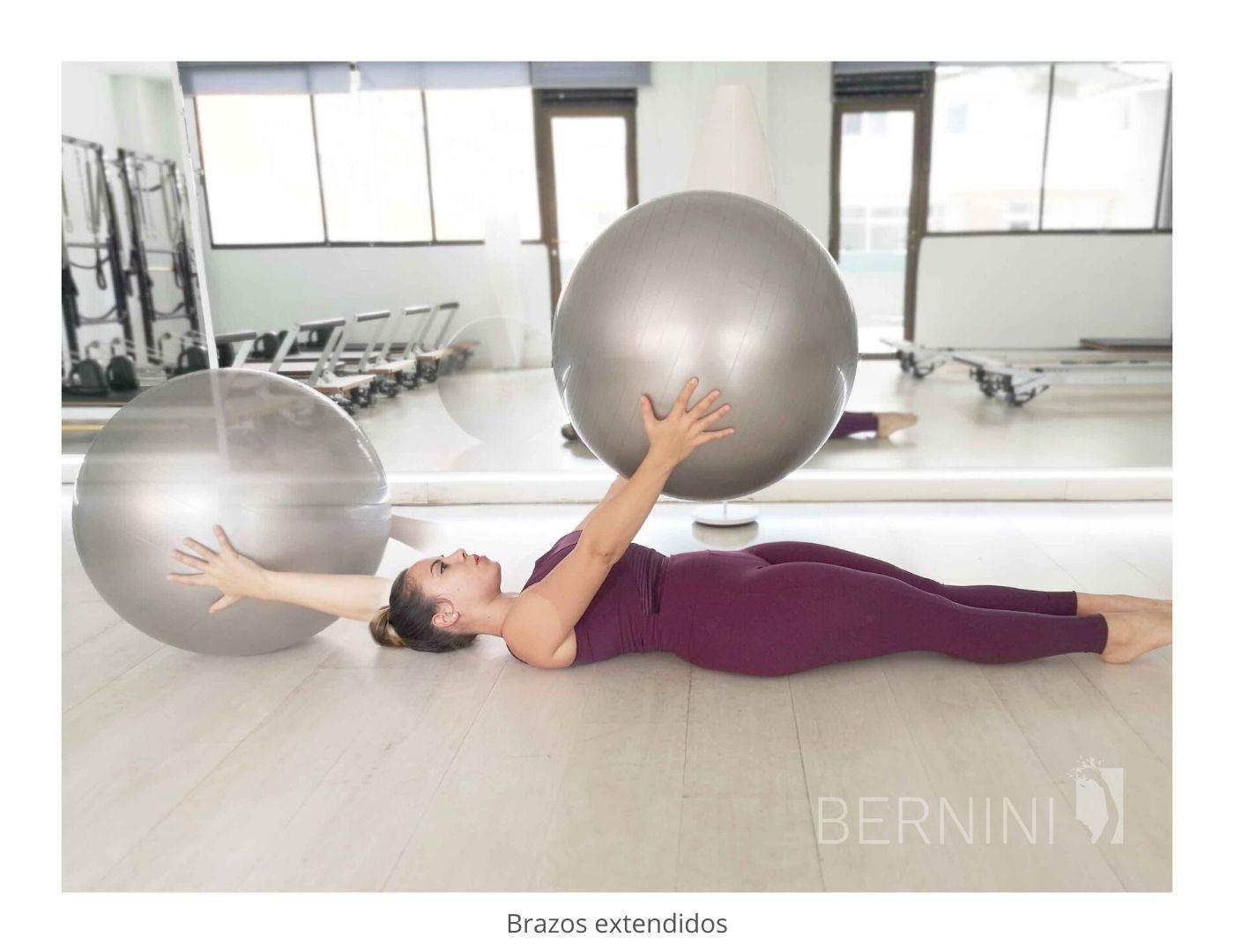 trabajo de brazos fitball pilates mat bernini wellness